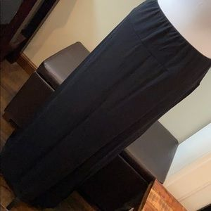 Mossimo solid black maxi skirt large